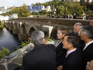 "Ana Pastor attended the inauguration of the ""splendid"" renovation works of the Roman bridge of Lugo"